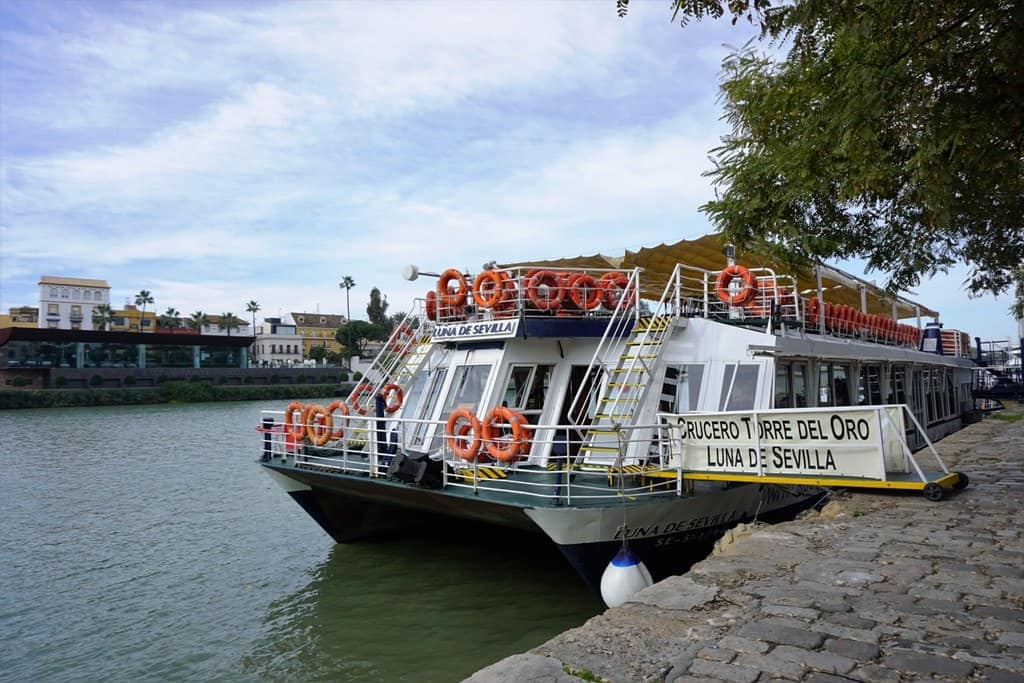 One Day in Seville - Cruise Down the River