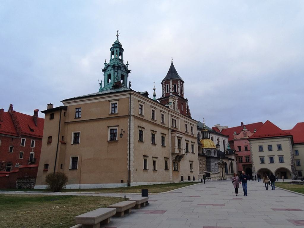 things to do in Krakow see the Wawel Castle