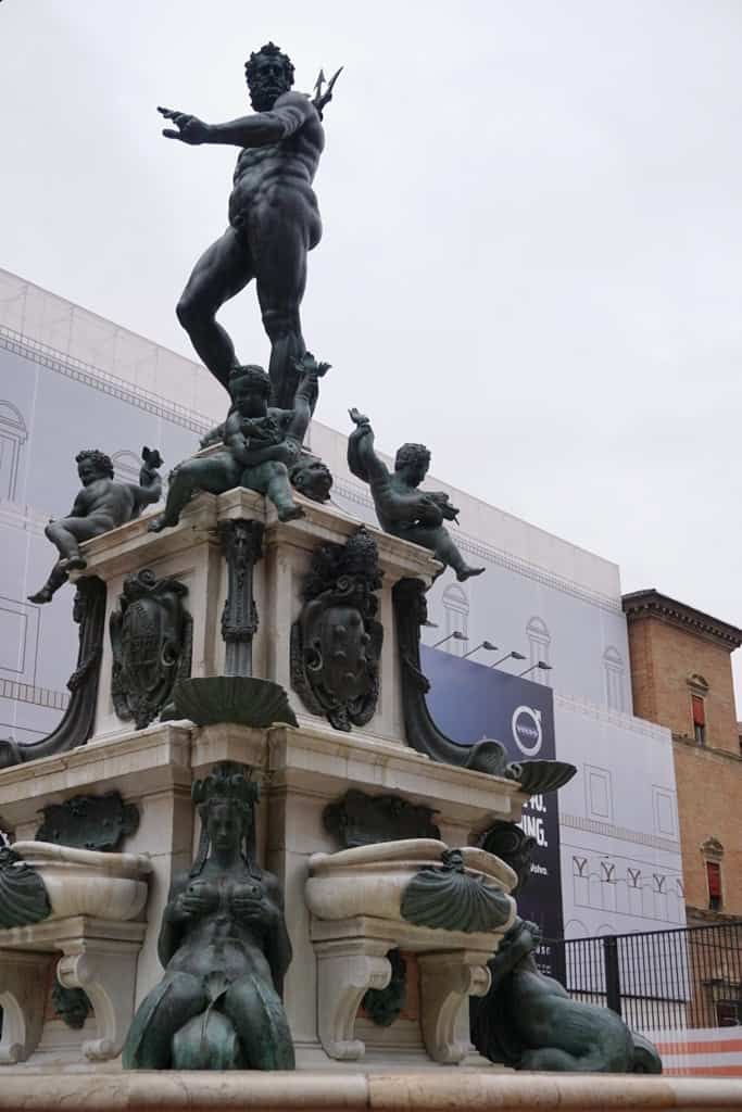Fountain of Neptune - Things to do in Bologna