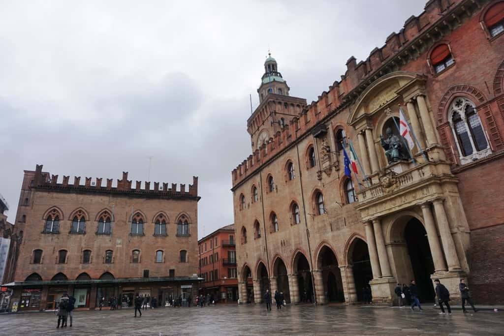 Piazza Maggiore - Things to do in Bologna