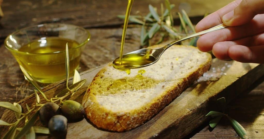 Olive oil tasting in Italy
