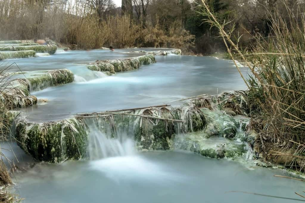 Visit the thermal springs in Saturnia - Things to do in tuscany Italy