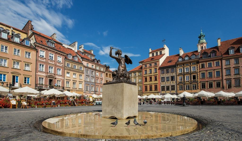 Old town Warsaw - Warsaw or Krakow
