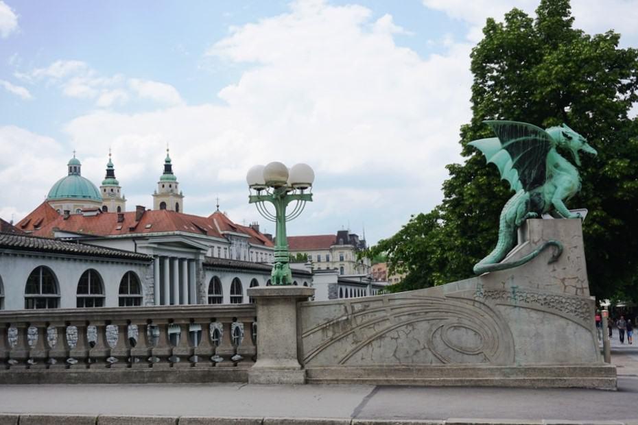 Dragon Bridge- What tο do in Ljubljana