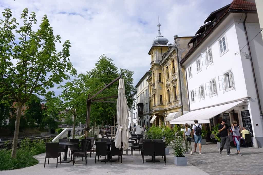 Enjoy a Coffee or a Drink by the River -What tp do in Ljubljana