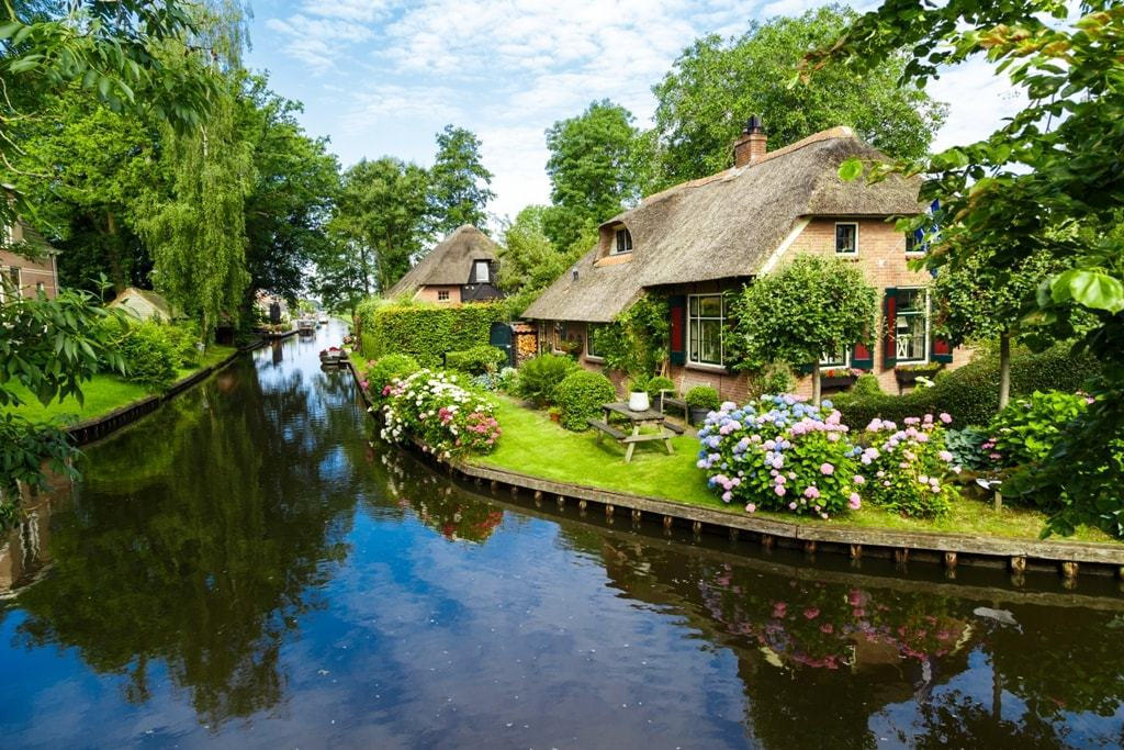 Most beautiful villages in the Netherlands - Giethoorn