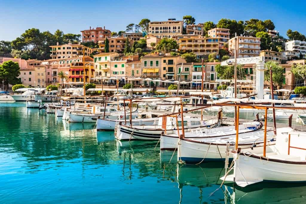 What to do in Majorca Spain - Port de Soller