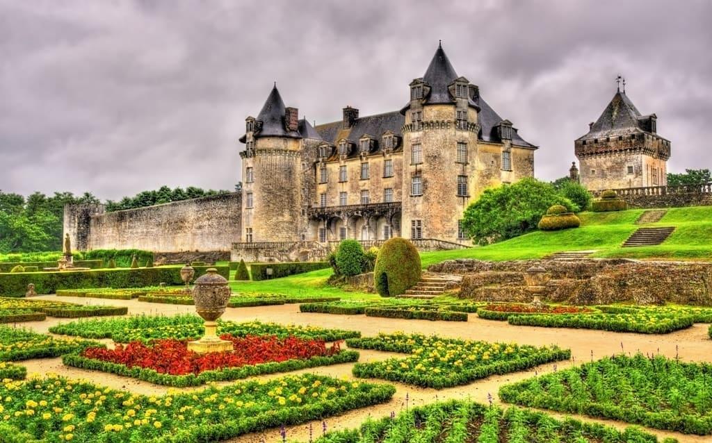 Château de la Roche Courbon - castles in France