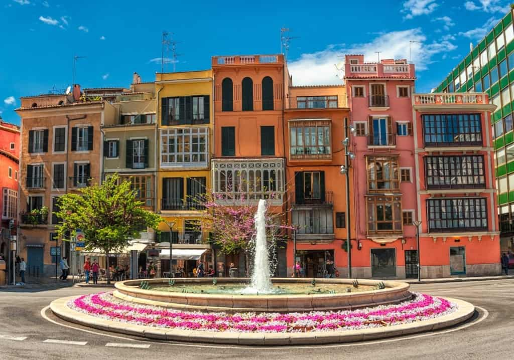 Things to do in Mallorca - explore Mallorca old town