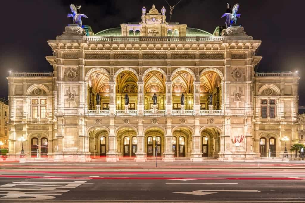 Vienna State Opera at night - 3 day Vienna itinenary