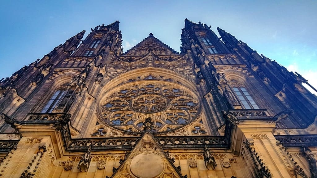 prague, vienna, budapest itinerary - St Vitus Cathedral