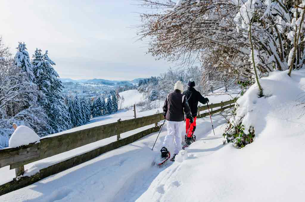 things to do in Riga in winter Snowshoe-Walking-Tour