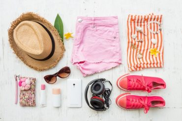 What to pack for a trip to the beach - a beach holiday packing checklist for female travellers