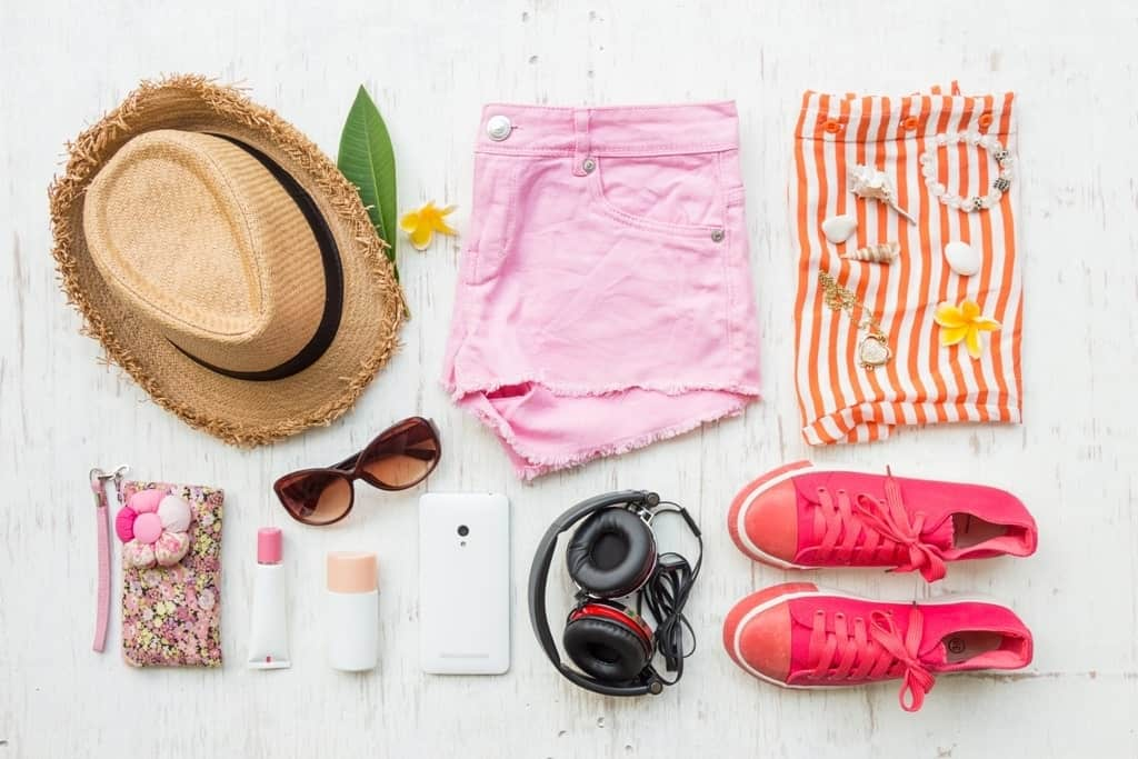 56a23f1b62b3 What to pack for a trip to the beach - a beach holiday packing checklist for