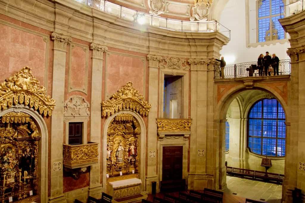 interior clerigos Church -2 days in Porto