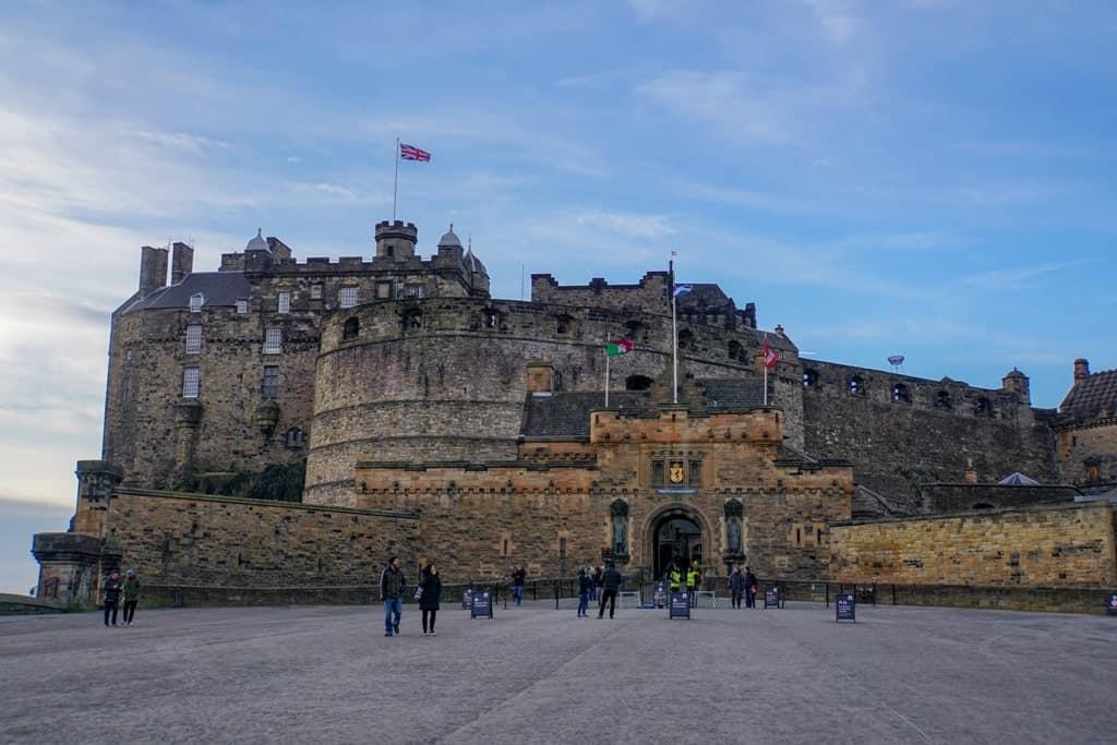 Edinburgh Castle Gate - 3 days in Edinburgh