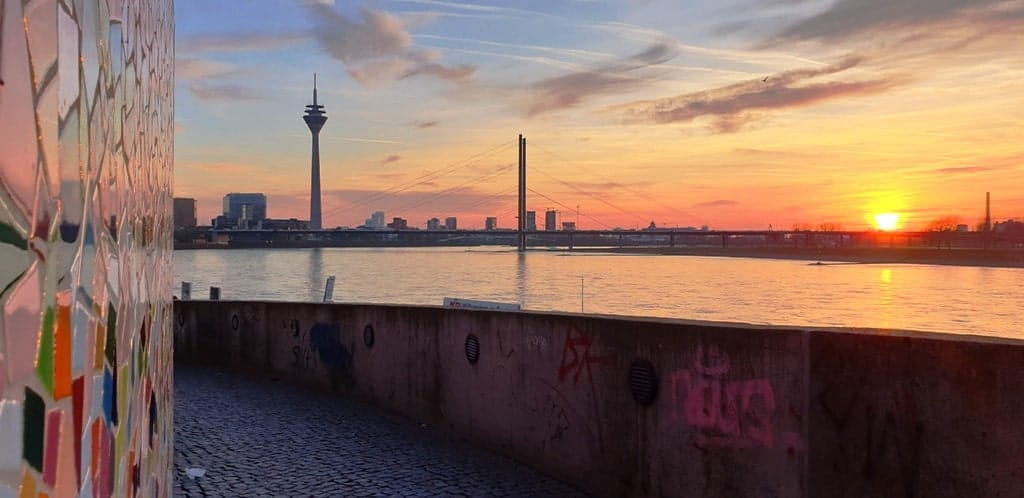 Rheinuferpromenade - things to do in Dusseldorf