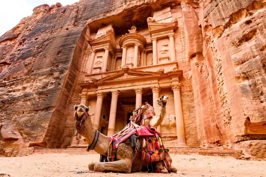 The Treasury - Things to do in Petra Jordan