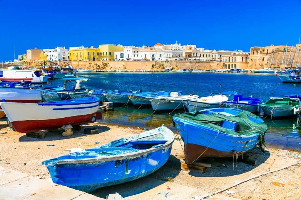 Old port of Gallipoli - what to do in Puglia Italy