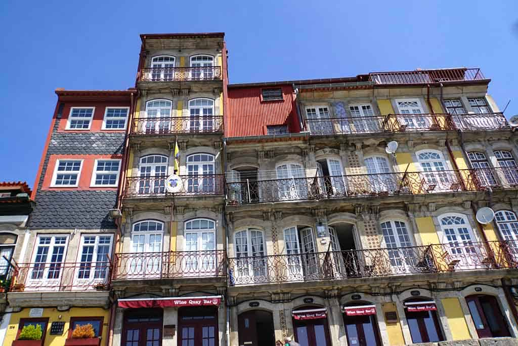 Cais-da-Ribeira-and-Ribeira-Square