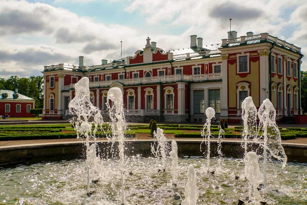 Kadriorg Park and Art Museum - a weekend in Tallinn Estonia