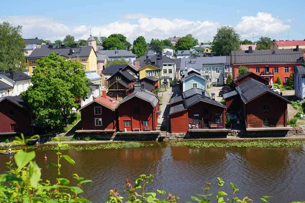 Red-Shore-Houses-in-Porvoo