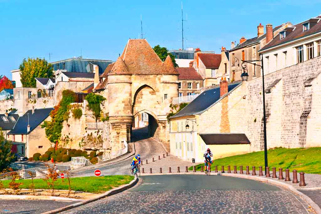 medieval villages and towns in France Laon