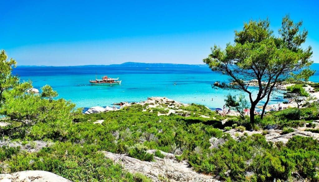 Kavourotripes beach - Things to do in Halkidiki