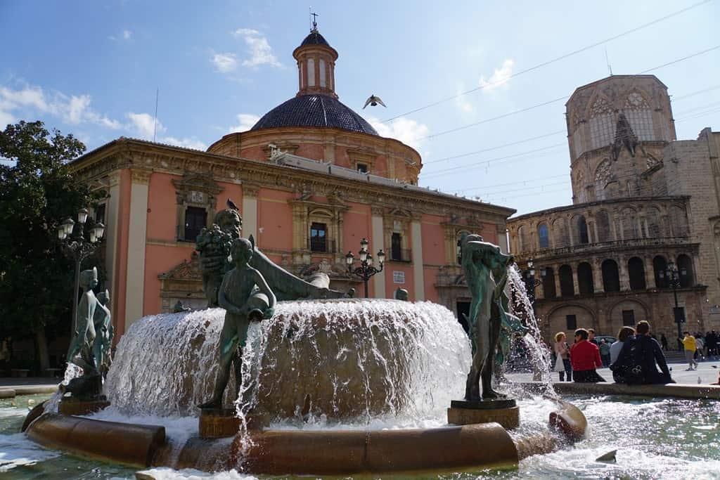 Plaza de la Virgen - things to do in Valencia in 2 days