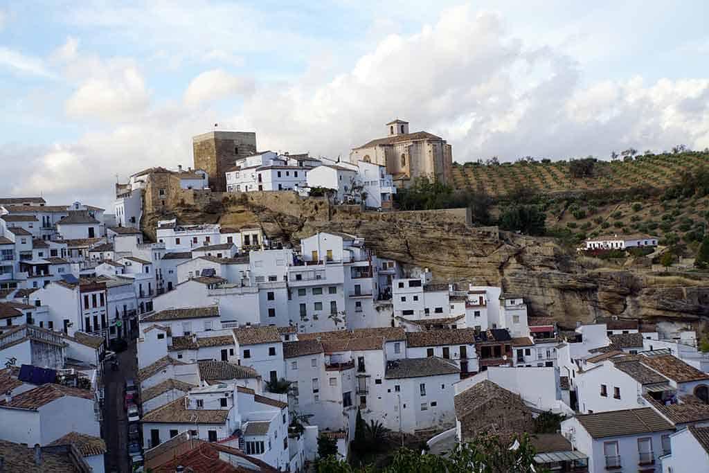 Setenil de las Bodegas - Pueblos blancos Andalucia