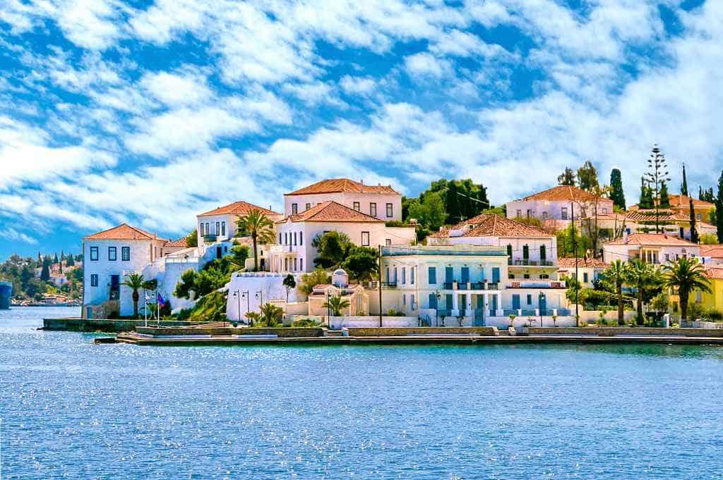 spetses - best Gree islands for honeymoon