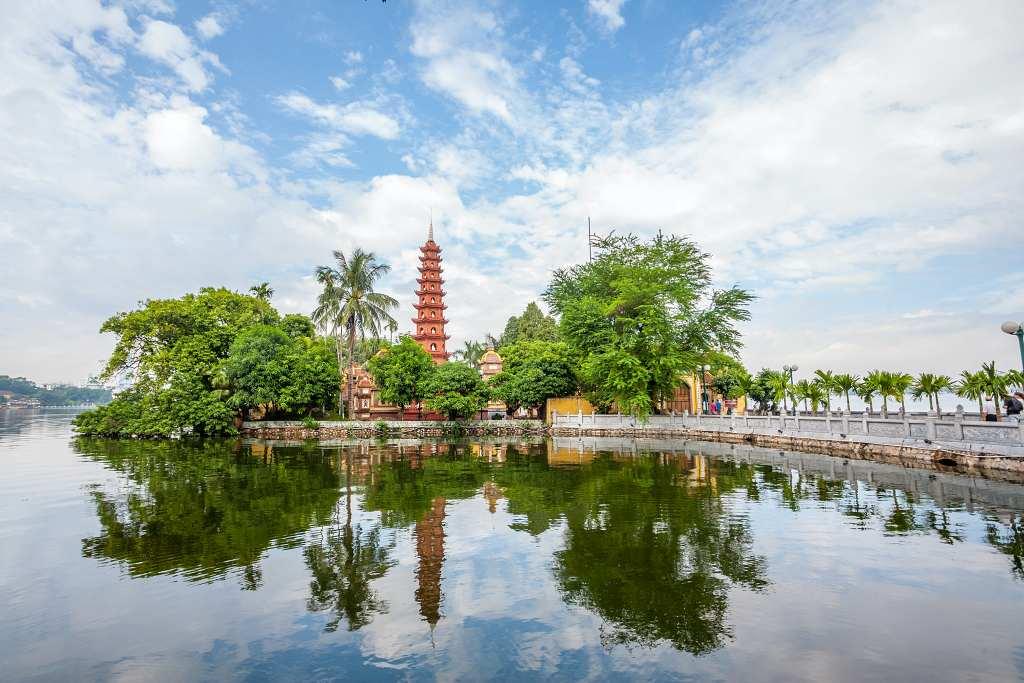 Tran Quoc Pagoda. - Hanoi itinerary
