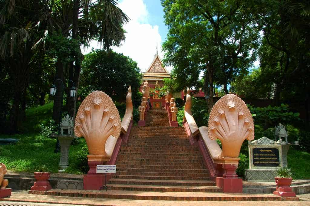 Wat Phnom, Phnom Penh - Cambodia 5 day itinerary