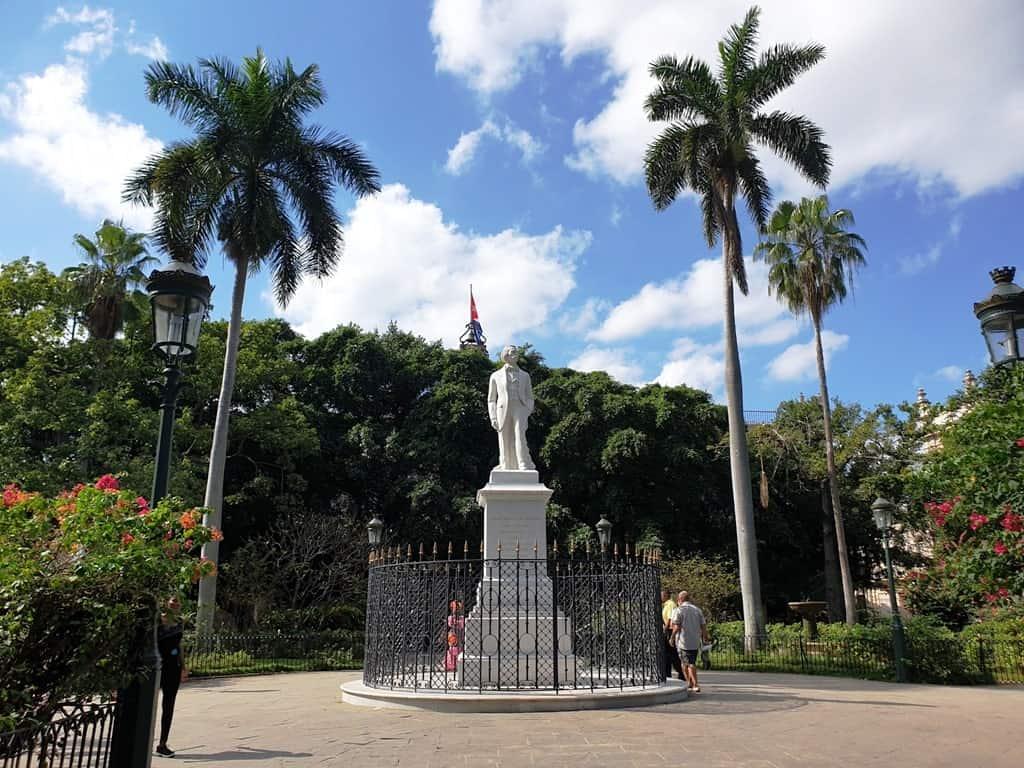Plazade Armas Havana