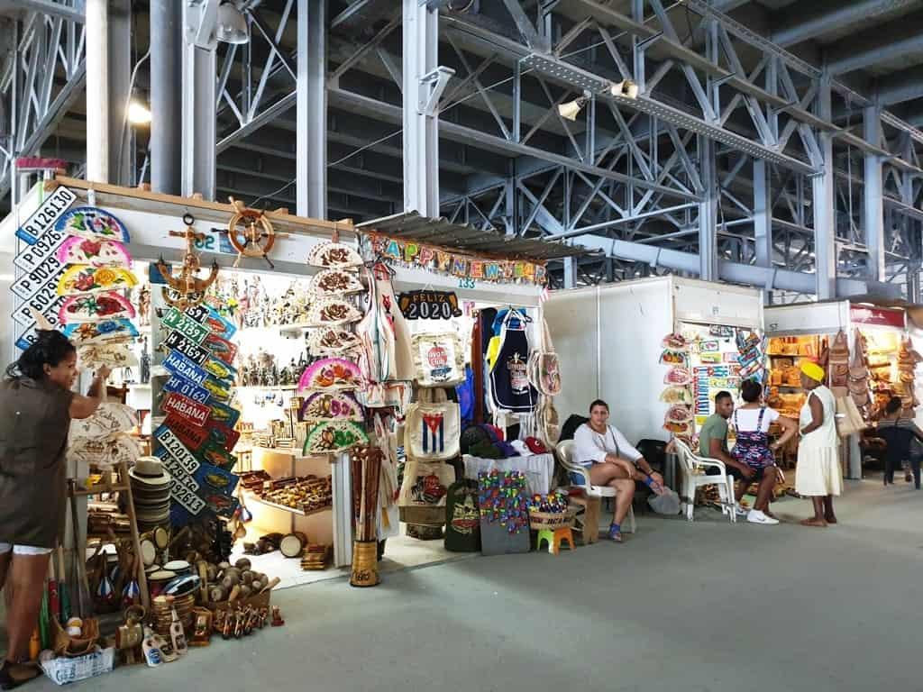 Almacenes San José Artisans' Market - 3 days in Havana