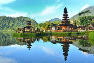 Pura Ulun Danu temple - 7 days in Bali