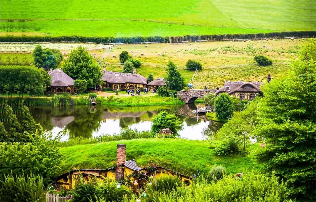 Hobbit houses at river in Hobbiton