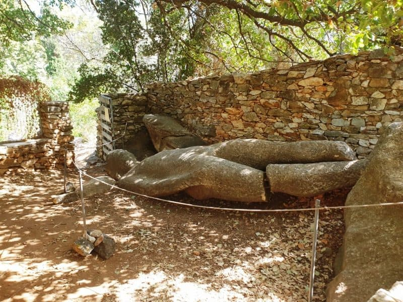Kouros at Melanes - What to do in Naxos