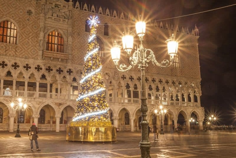 Christmas Tree outside Doge's Palace in Venice - Venice in winter