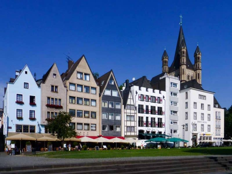 Old houses along the Rhine - Cologne itinerary